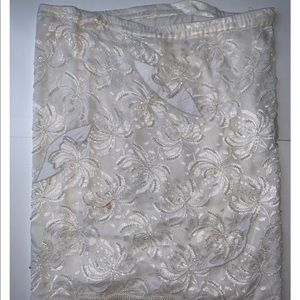 $4.99 shipping Vintage skirt lace &pearl beaded